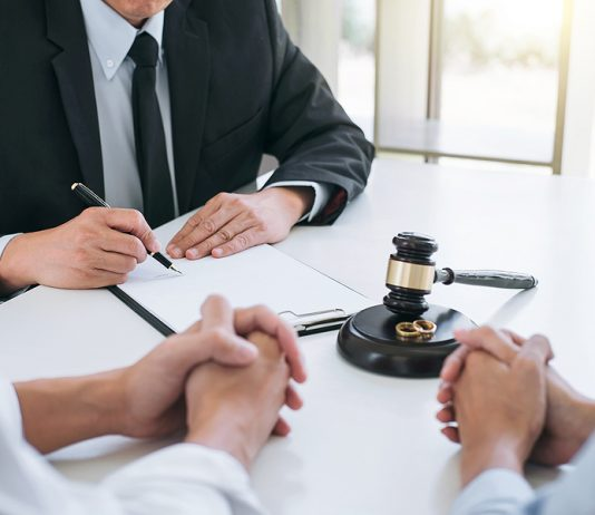 Best divorce lawyer in Sydney meeting a client